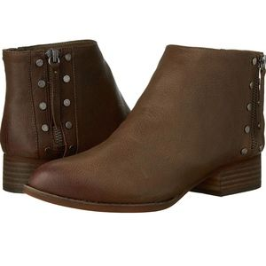 VINCE CAMUTO Catile Brown Leather Bootie